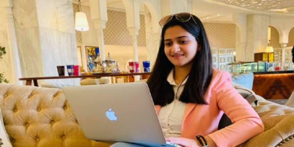 How a young 19-year-old student, Divya Gandotra, dealt with stage fright and became a youtuber and entrepreneur