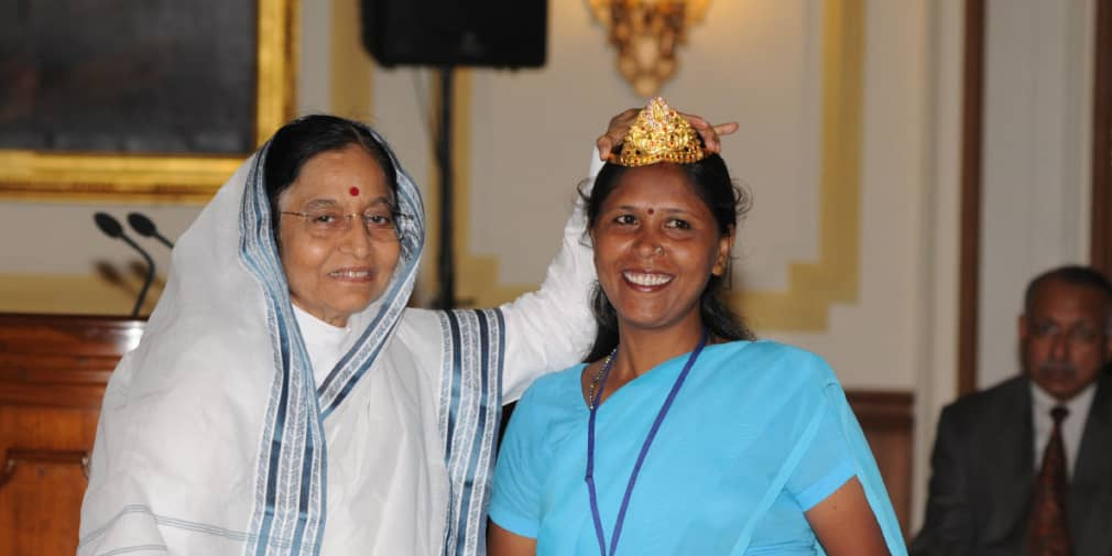 An inspiring story of Usha Chaumar – From being a manual scavenger to receiving the Padma Shri award, she is a beacon of hope