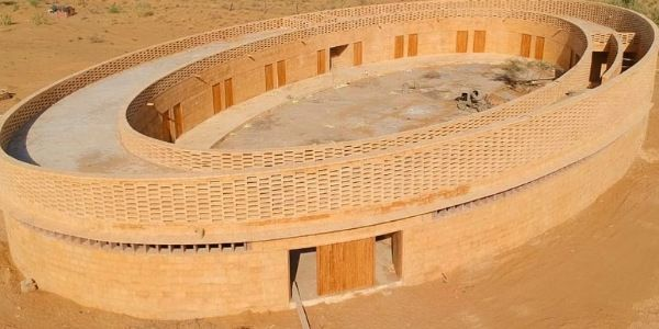 The Rajkumari Ratnavati Girls school in the middle of Thar desert is made up of sandstone – Needs no AC. Empowering young girls